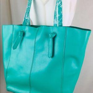 Handbags - KC Jagger NEW Large Kelly Green Handbag